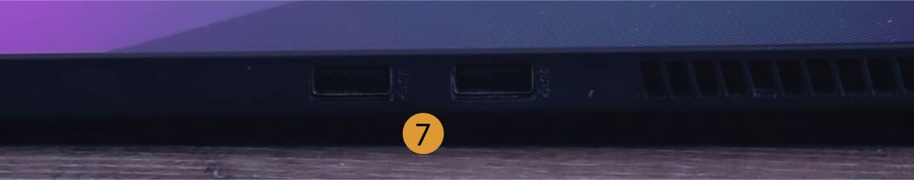 Asus TUF Dash F15 - connectors right